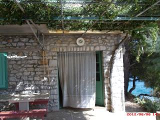 7302 H(4) - Cove Podrazisce (Selca)