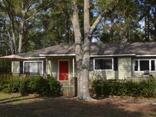Cottage Lakehouse