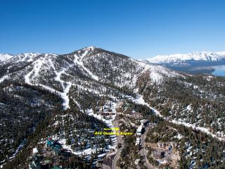 SKI IN SKI OUT  BEST LOCATION SLEEPS 22, Stateline