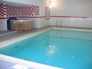 VACANCES ou CURES - piscine,wifi,parking, jacuzzi