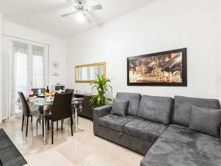 THE GATEWAY - Cozy Apartment, in Central Bologna, all equipped,