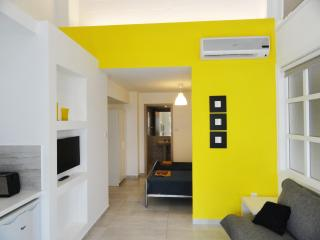 Rainbow - Yellow Studio Apartment, Ayia Napa