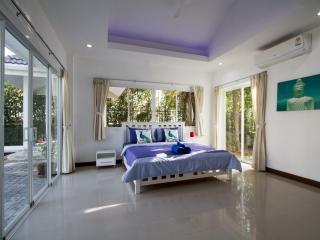VILLA RUBY Chalong Phuket
