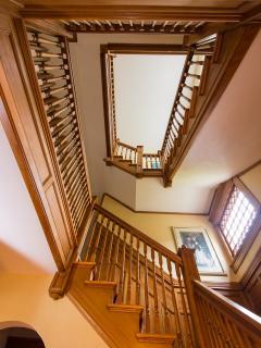 Magnificent 25 room mansion: walk to Equinox Hotel