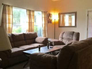 Tyrone Square room, centrally well located, Saint Pete Beach