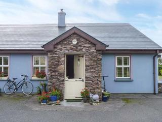 TIG GORM all ground floor, solid fuel stove, WiFi in Cahersiveen Ref 928192