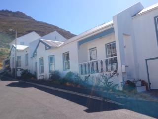 Simply Snoekie - a charming self-catering cottage, Simon's Town