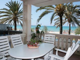 BeachFront  I  WiFi FREE  I  Family-Friendly Area, Playa de Palma