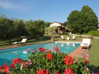 Villa toscana con giardino, piscina,  WiFi camino