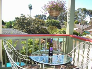 Island View Nest 5 min walk to beach access!, Santa Barbara