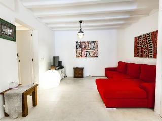 Idyllic 2bed apartment in historical center Ibiza, Ibiza-stad
