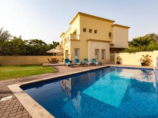 Executive 4 Bedroom Villa | Private Swimming Pool