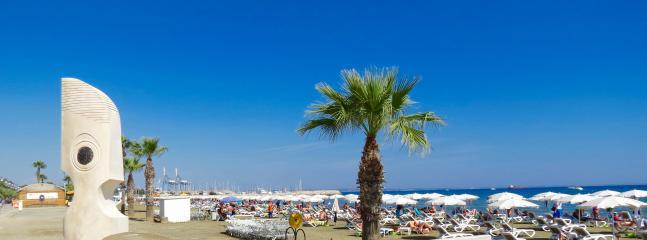 Finnikoudis beach