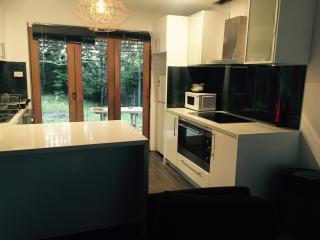 Rustic Dreames 2 bedroom  cottage, Rosebud