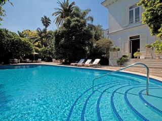 Lovely Villa with Pool, Walking Distance to Beach and Sorrento Center - Villa Oro, Sant'Agnello