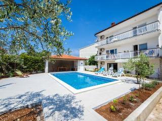 Villa Alba 6 beds apartment, Pula