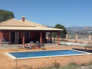 Villa 3 slaapkmrs 2 badkmrs  plaats voor 6 gasten, Aspe