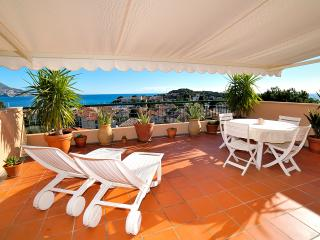 Romantic Apartment with Amazing Sea View  WiFi, Saint-Jean-Cap-Ferrat