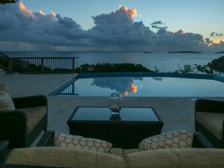 Sweet Dreams Villa with Spectacular Water Views, Cruz Bay