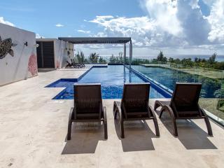 Terrazas 201 spacious & sunny condo near the beach, Playa del Carmen
