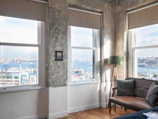 ★HUGE Galata Flat ★ W/Seaview★4Bedroom★2 Bathroom, Istambul