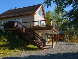 Prime Kenai River Frontage with Private Lodging