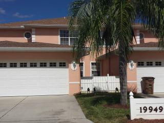Condo Kim: Golf Course Condo, Lehigh Acres