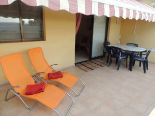 Nice and pleasant apartment with good location, Acantilado de los Gigantes