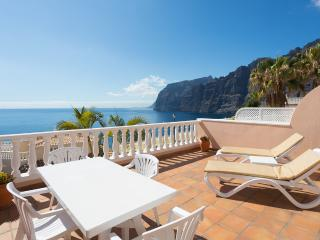 FIRST CLASS  SUNNY APARTMENT 37 WITH STUNNING SEA AND CLIFF VIEWS