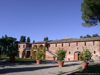 Santo Estate - Villa Opera Large villa rental near Siena