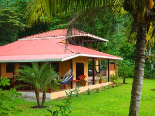 Tranquil Home With Amazing Ocean & Sunset Views!, Ojochal