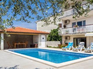 Villa Alba 4 beds apartment, Pula