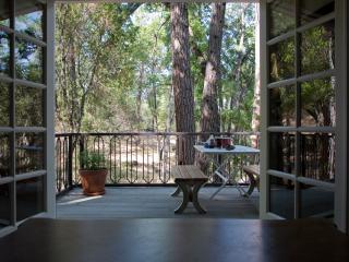 Oak Nest Cottage~ Cozy, Cute, Quiet