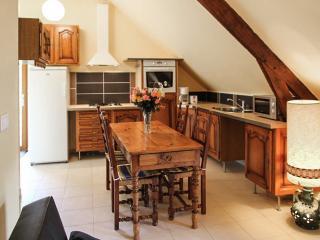 Farmhouse cottage w/natural scenery, Bain-de-Bretagne