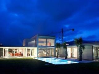 Villa de diseño cerca de Barcelona y playas