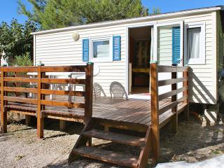 Comfortable mobile home w/terrace, La Ciotat