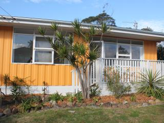 Pet friendly holiday house in Shoalhaven Heads