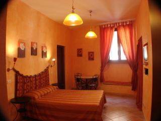 Gulliver's Lodge Lovely B&B  at Colosseum, Vatican