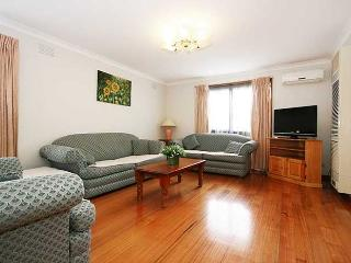 Rent Melbourne 3/40 Box Hill