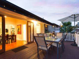 Bella Bulimba - Family & Pet Friendly
