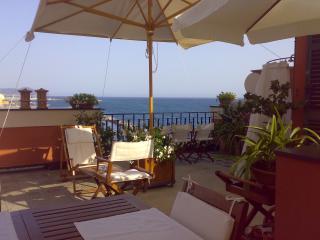 Attico con terrazza in villa sul mare di Portofino
