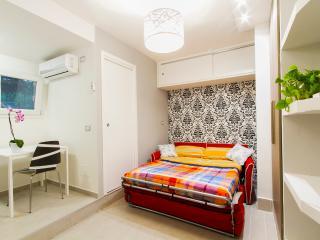 Navel apartment