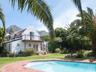 De Rust Manor House, 1.5 km's from the beach, Noordhoek