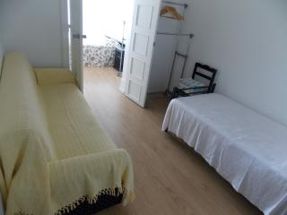 Private Room Near Downtown Lisbon