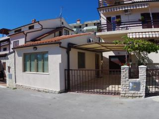 Holiday apartment 150m from the beach