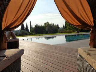 Charming Property, swimmingpool, superb lake view!, Vérone