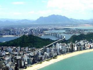 CASA GRANDE AO LADO DA PRAIA PARA GRUPOS, Vila Velha