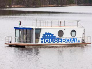 Houseboat Finland: Houseboat DeLuxe 42 m2 / 8 Twin, Aanekoski