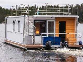 Houseboat Finland: Houseboat DeLuxe 42 m2 / 6, Aanekoski