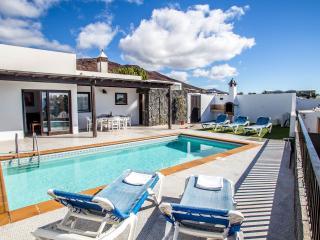 Villa Neptuno con piscina privade en Playa Blanca